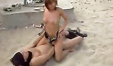 Ебля на пляже Казантипа молодой пары