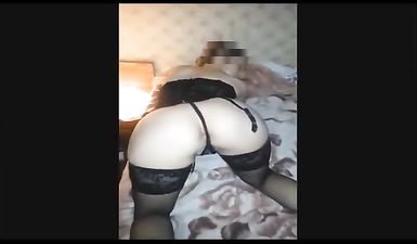 Русская зрелая баба выпила и показала голое тело по веб камере