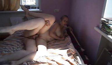 Русские студенты снимают домашнее порно в общаге
