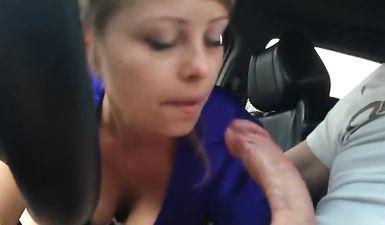 Русская жена дрочит член и сосет мужу за рулем