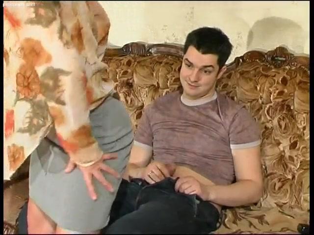 Порно с мамой в позе 69