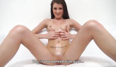 Стройная русская девушка на порно кастинге