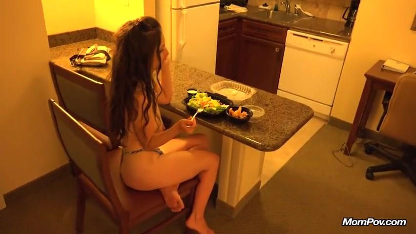 Мощных порно видео зрелая шикарная дама онлайн женская доминация
