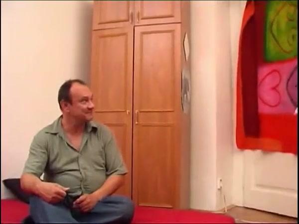 smotret-porno-snyal-mokrie-trusi-i-vsadil-ogromniy-chlen-foto-devushek-na-prosvechivayutsya-soski