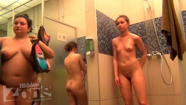 извиняюсь, но, трое парней трахают девушку в бане моему мнению, правы