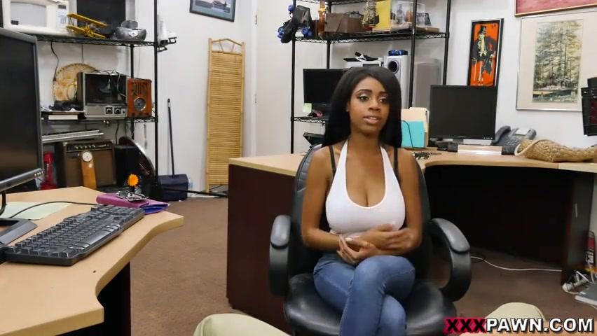 Порно развел на работе русское