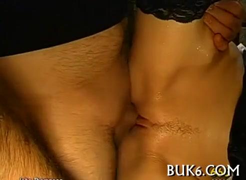 zhestko-ebli-telku-po-krugu-russkoe-domashnee-chastnoe-porno-smotret