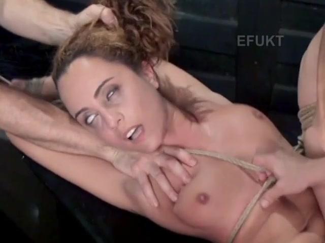 Муж и жена занимаются анальным сексом порновидео