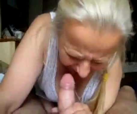 Порно бабушка сосёт у внука видео ролики