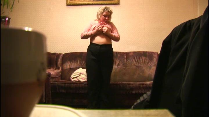 Порно мать переодевается видео