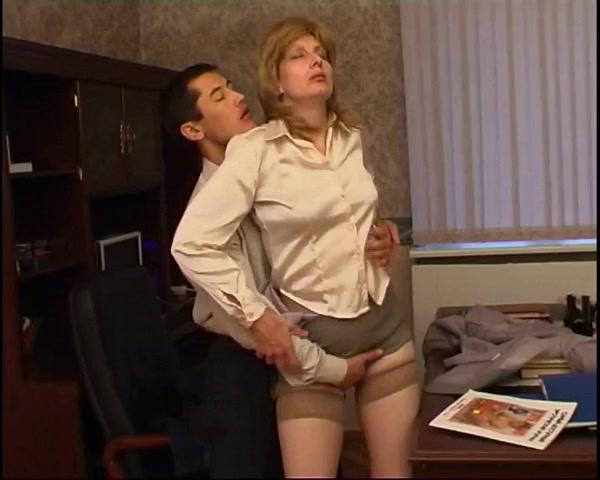 Смотреть русский секс начальник трахает секретаршу 3