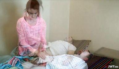 Зрелый больной муж ебется с сиделкой