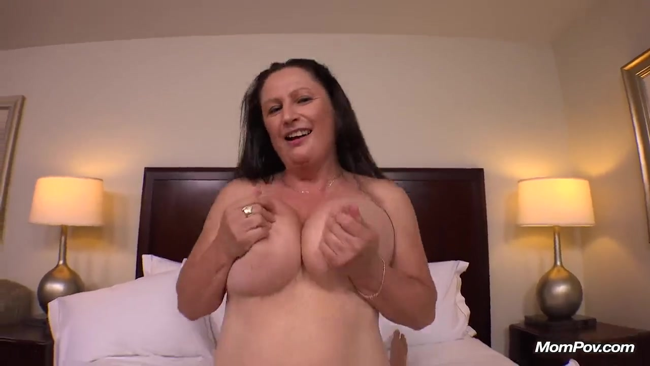 Трахает жену друга порно