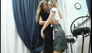 Русские подружки выпили и занялись лесби сексом