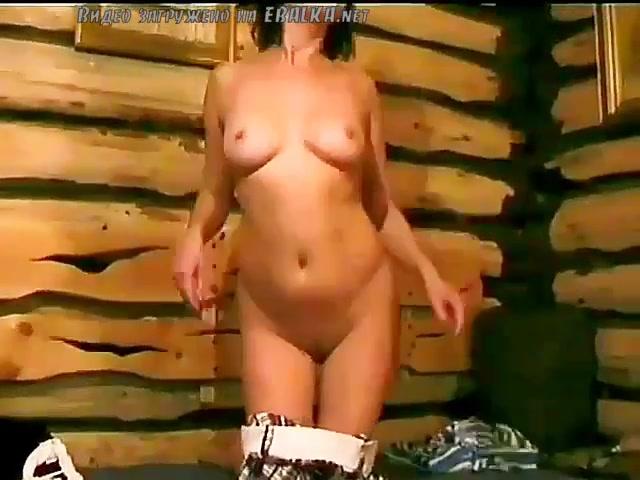 Порно девушка танцует 6