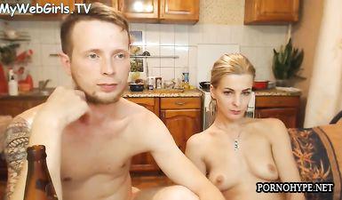 Grimbergen07 - чувак трахает в жопу подругу в приватном порно чате