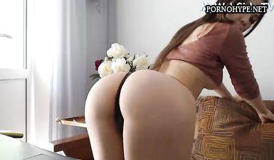 Стройная moinik с красивой попкой в порно вебкам чате