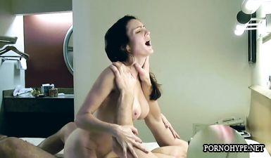 Муж тайком от жены снял их любительский секс на видео