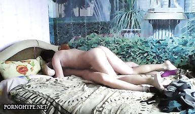 Утренний секс с молодой женой в носочках в разных позах