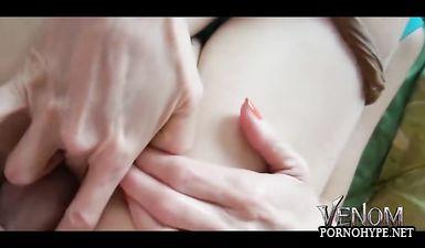 Нарезка домашнего порно молодой пары с оргазмами девушки