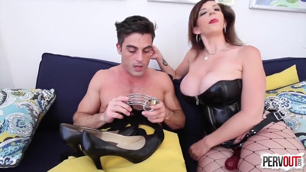 Порно унижение в колготках мужика с госпожой