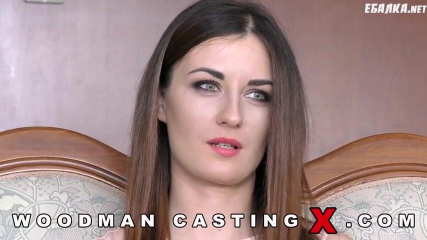 Видео жена русскую брюнетку трахают на кастинге лучший трах пизду