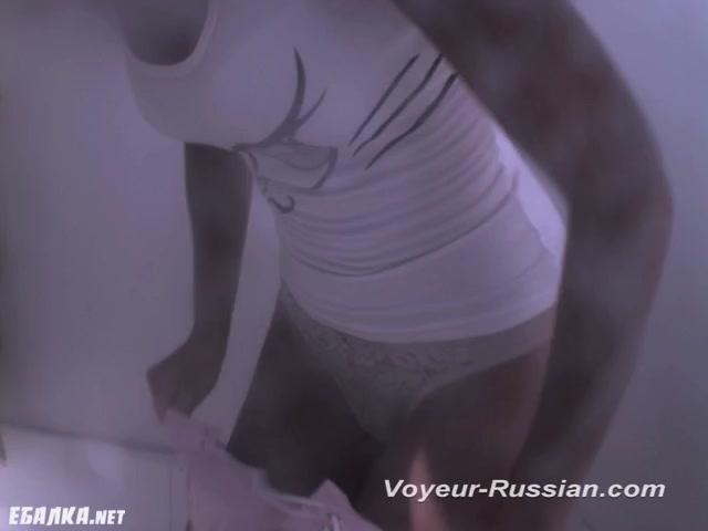kameri-onlayn-v-razdevalke-porno-onlayn-chuzhuyu-zhenu-pri-muzhe-gruppovuha