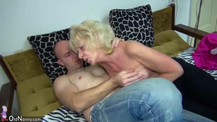 Бабули трахаются секс видео