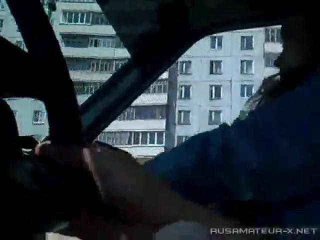 Отсосала хуй при всех реальное видео #10