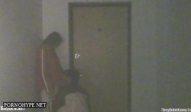 Подростки трахаются в подъезде скрытой камерой