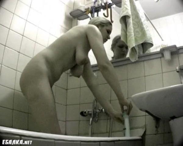 этом порно русских муж застукал жену с другим давай,давай))) Прошу прощения
