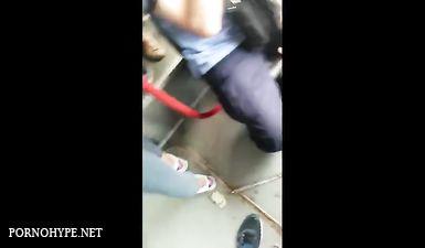 Студент снимает аппетитные попки русских девушек в общественном транспорте на скрытую камеру
