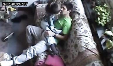 Брат установил в комнате сестры скрытую камеру и снял русское домашнее порно