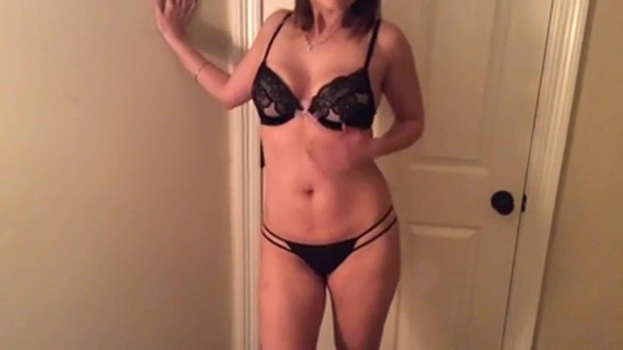 Зрелая жена танцует стриптиз для мужа, порно видео анал тренер фитнеса трахает худую спортсменку в тренировке
