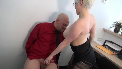 porno-kak-ya-lizala-nachalnitse