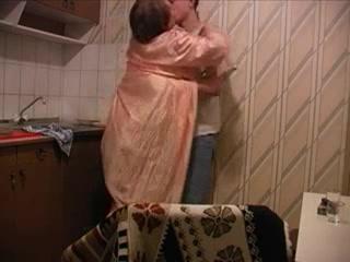 Русский сын ебет родную мать на кухне