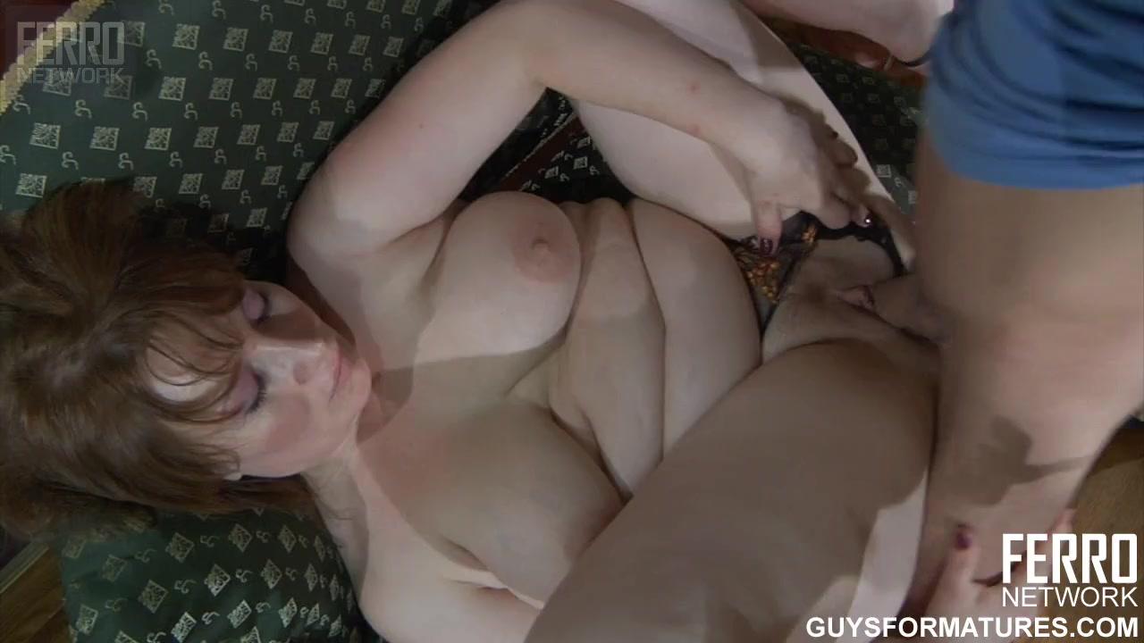 мать трусы сына порно нюхает видео