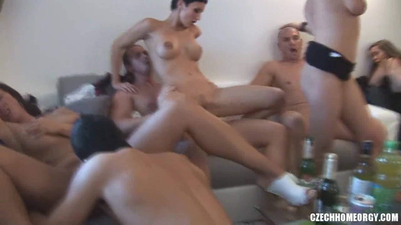 Видео групповой секс свингеров