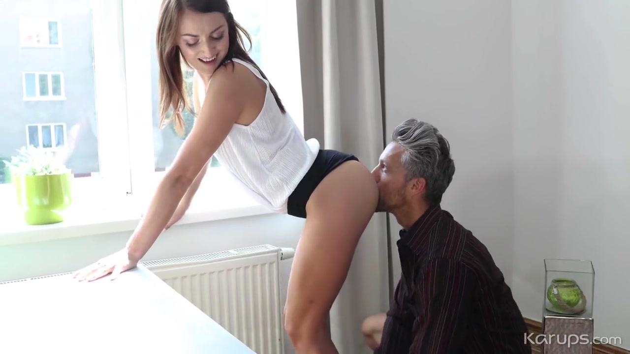 Порно профессор трахает студентку