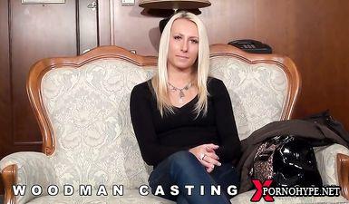 Худая блондинка прошла порно кастинг Вудмана с МЖМ