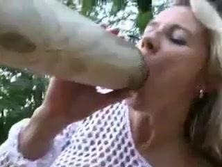 Порно мужики снимают на видео влагалища