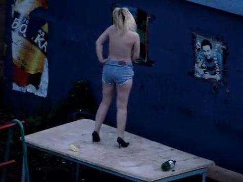 golie-telki-striptiz-video