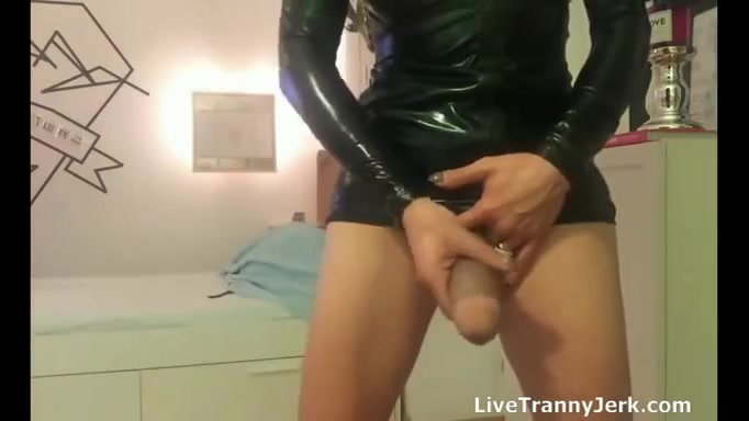 Надел накладную грудь порно видео