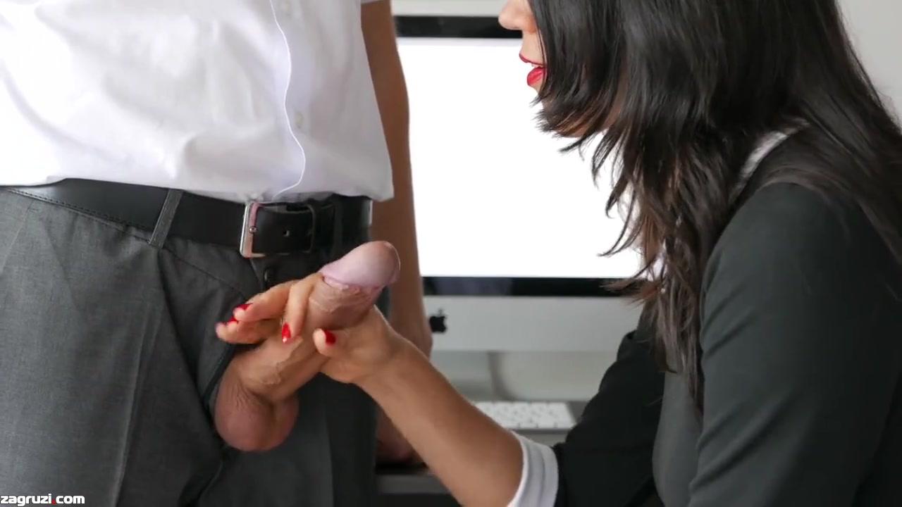 Порно видео секретарша делает боссу минет, порно фото секса с студентами