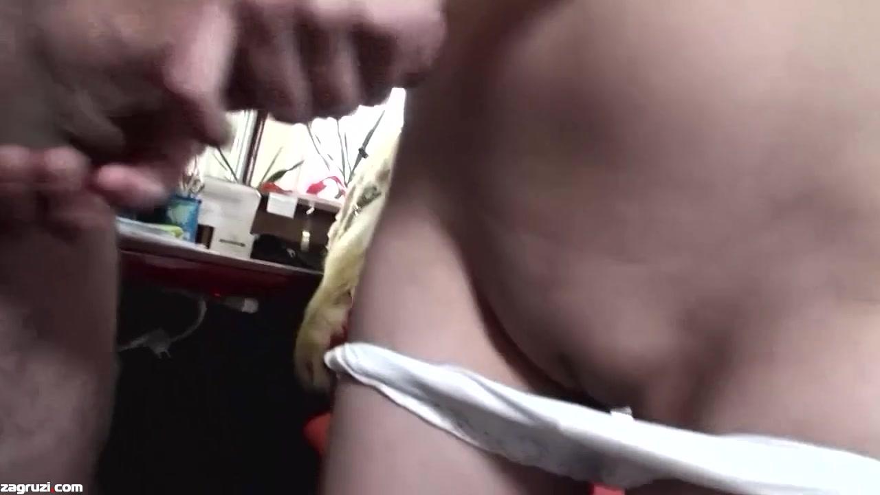 Секс с настойчивым начальником