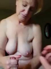 Помочь подрочить порно