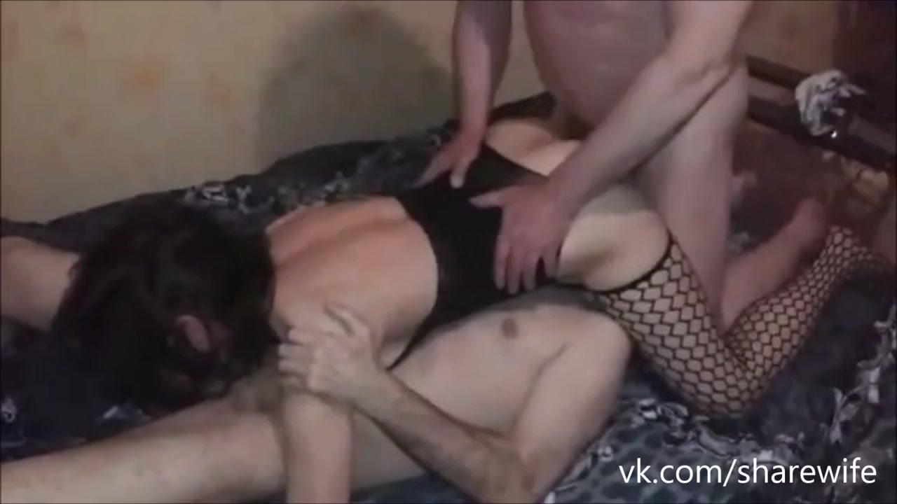 Видео муж ебется со своей зрелой женой очереди кончали парня