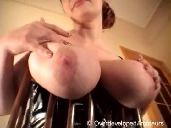 Огромная грудь молоко порно