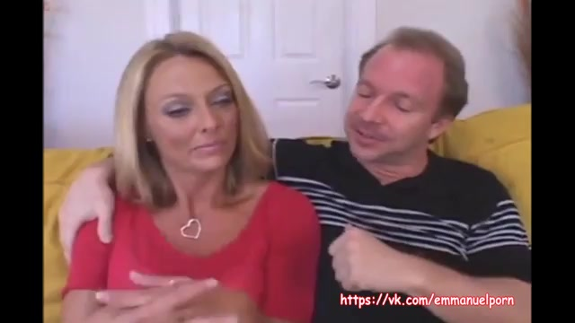Зрелую бабу трахает муж