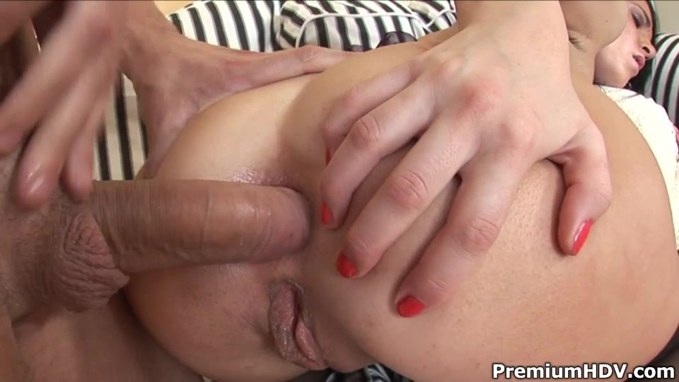 porno-video-azh-vitekaet-iz